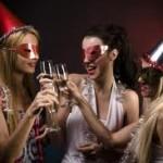Singles vieren oud & nieuw het liefst met vrienden thuis