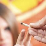 Minder huiselijk geweld onder echtparen die wiet roken