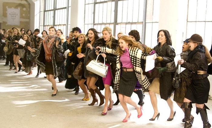 d3359120601dbd Bijna de helft van de heren zegt dat zijn vrouw teveel voor haarzelf koopt.  Met name kleding (20%) en schoenen (27%) trekken volgens hen ...