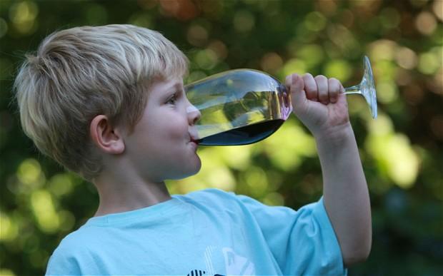 kinderen die alcohol drinken