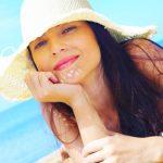 Hoe houdt je je haar gezond en mooi tijdens de warme zomermaanden?
