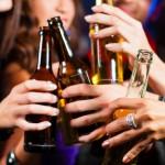 Waarom zijn veel alcohol drinkers ook rokers?