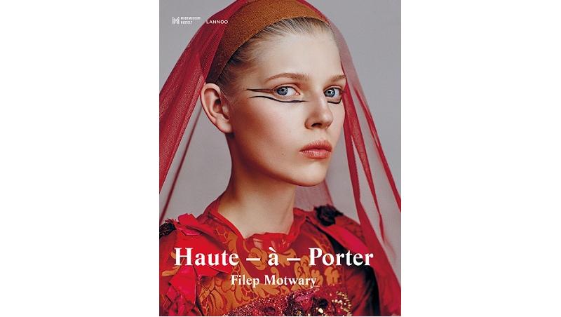 Haute porter de invloed van haute couture op de pr t for Haute couture and pret a porter