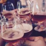 Zo ga je om met de druk van alcohol in sociale situaties