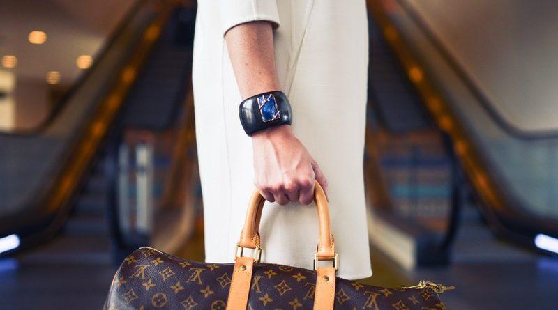 7 dingen die succesvolle vrouwen in hun tas hebben