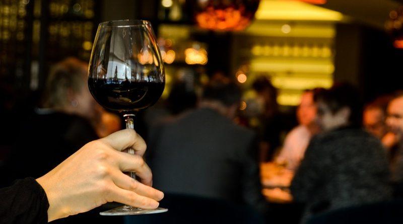 Zelfs 1 glas alcohol per dag vergroot de kans op borstkanker