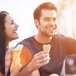 Een op drie singles wordt sneller verliefd in zomertijd