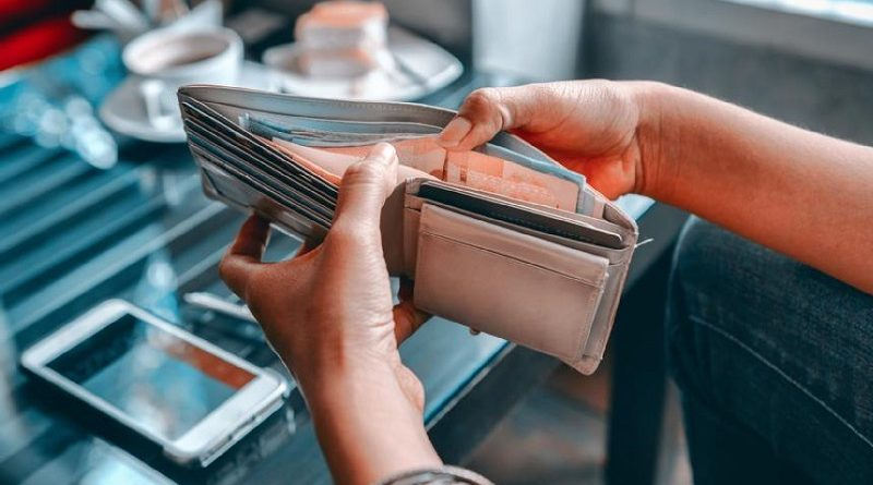 Denken dat je vrouw slecht is met geld zorgt voor problemen