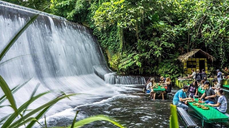Labassin Waterfall Restaurant, Fillipijnen