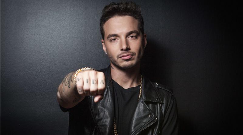 Reggaetonzanger J Balvin voor concert naar Amsterdam