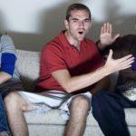 Jonge mannen krijgen meer voldoening uit 'bromances' dan uit een relatie
