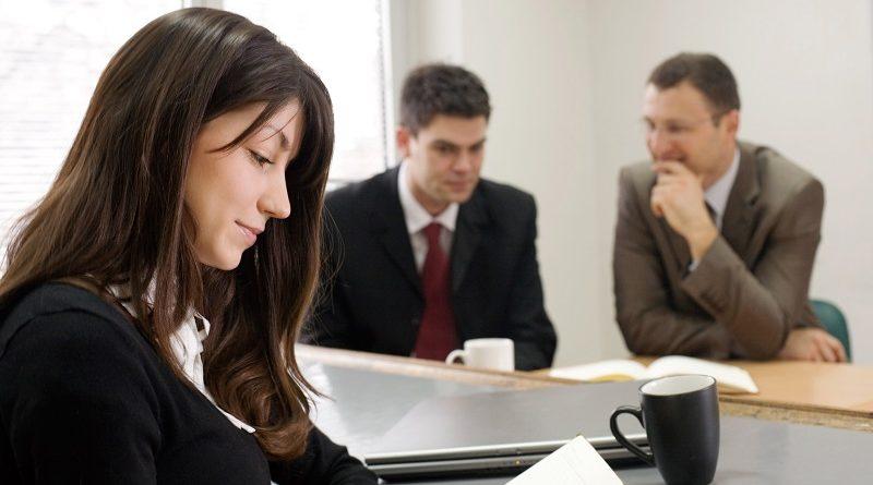 Wat kan je doen om onvriendelijkheid op de werkplek te verminderen en te voorkomen?