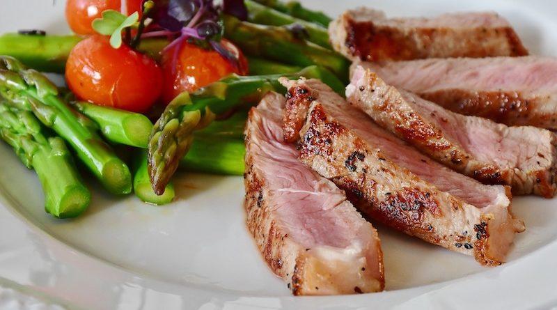 7 portemonnee-vriendelijke manieren om voedsel te eten dat goed en goed voor je is