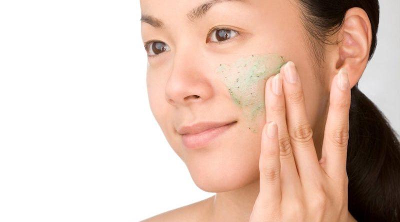 Zo scrub je je huid veilig
