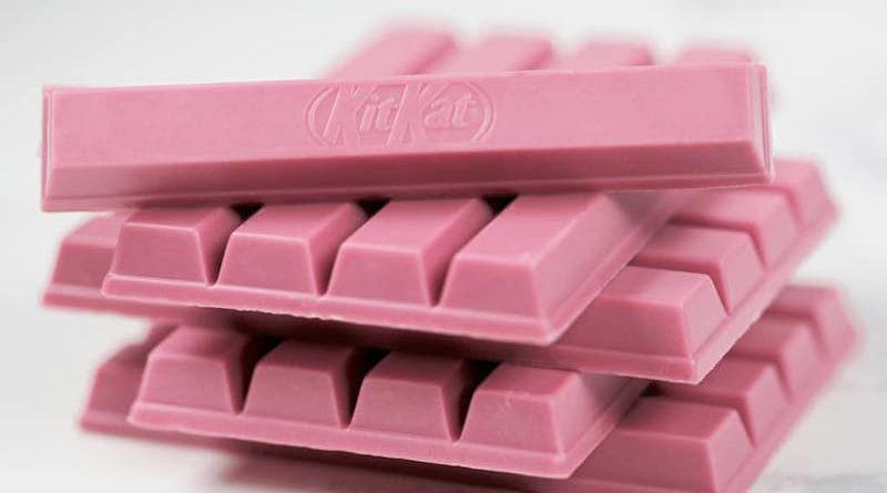 De roze KitKat chocoladerepen zijn binnenkort in Nederland verkrijgbaar