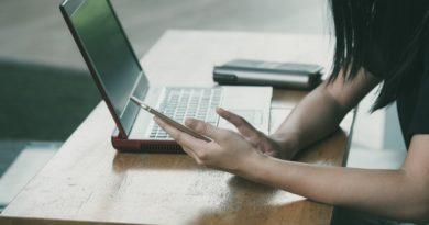 Zo begin je een gesprek tijdens het online daten